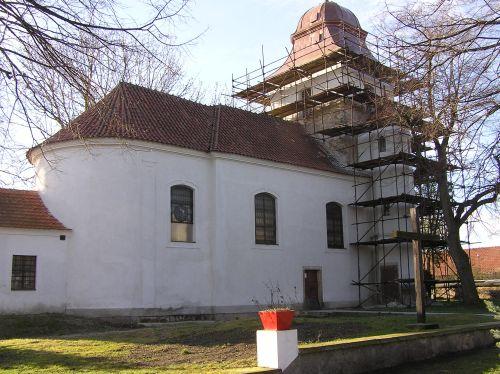 Věž při opravě